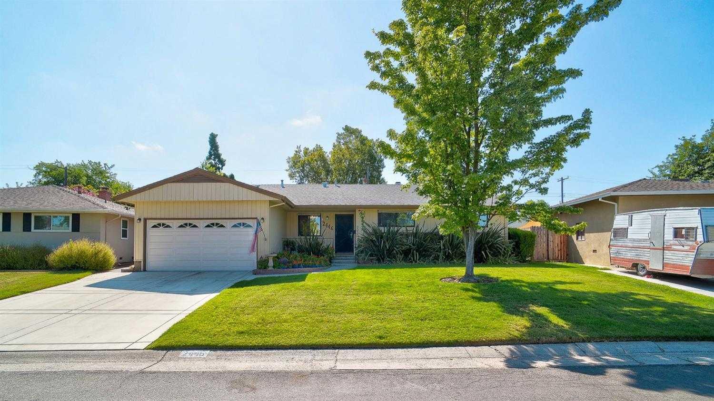 $440,000 - 3Br/2Ba -  for Sale in Del Paso Manor, Sacramento