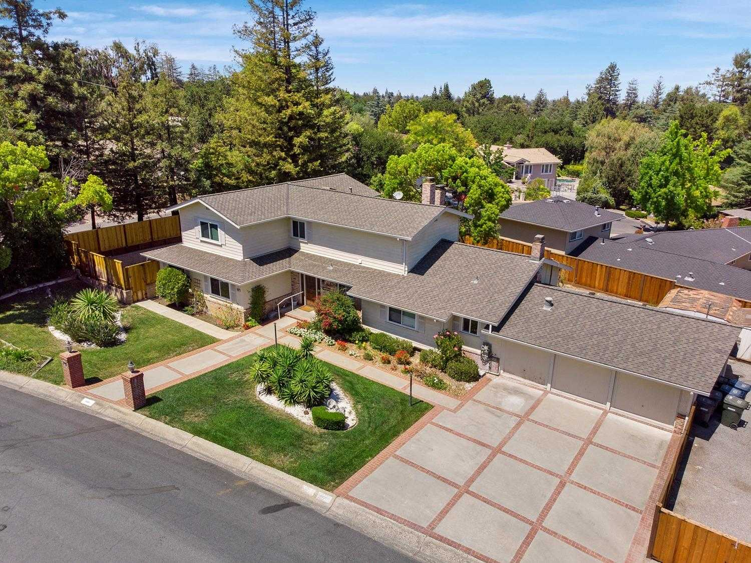 $3,200,000 - 6Br/4Ba -  for Sale in Los Altos