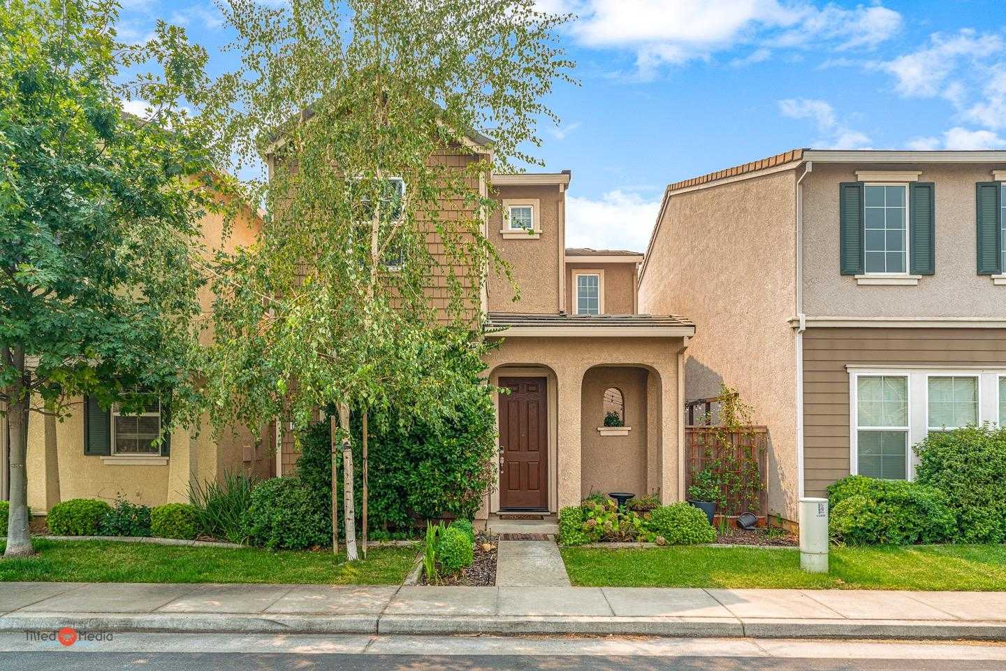 $385,000 - 3Br/3Ba -  for Sale in Rancho Cordova