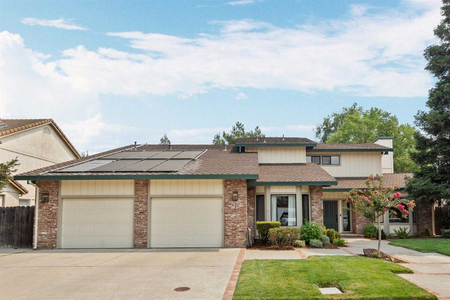 $962,000 - 4Br/3Ba -  for Sale in Davis