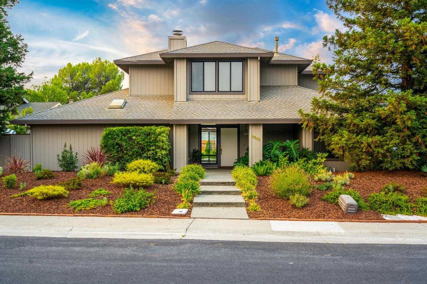 $987,000 - 5Br/3Ba -  for Sale in Davis