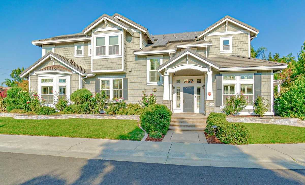 $1,425,000 - 4Br/4Ba -  for Sale in Lake Alhambra Estates, Davis