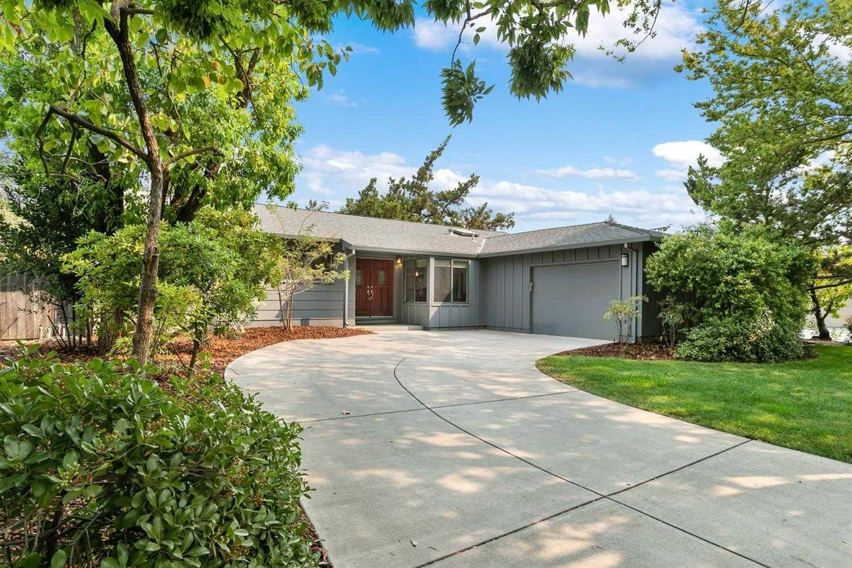 $895,000 - 4Br/3Ba -  for Sale in Davis