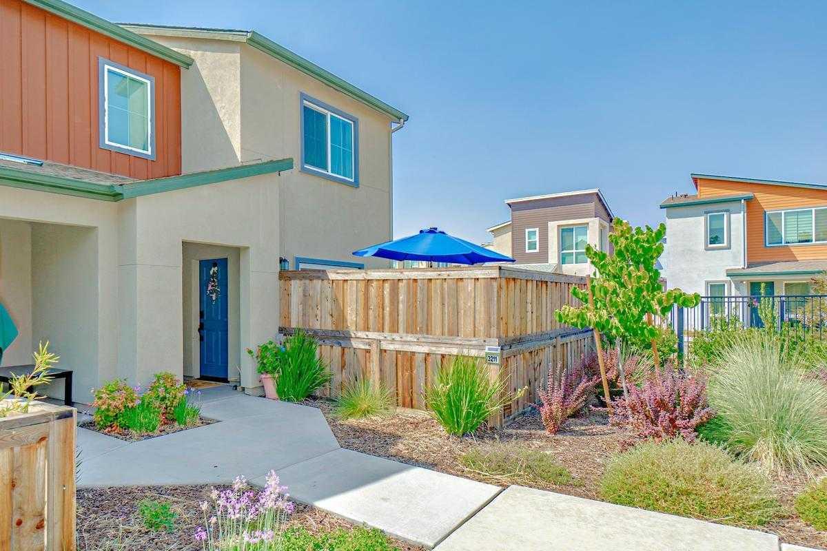 $470,129 - 3Br/3Ba -  for Sale in Willow Creek, Davis