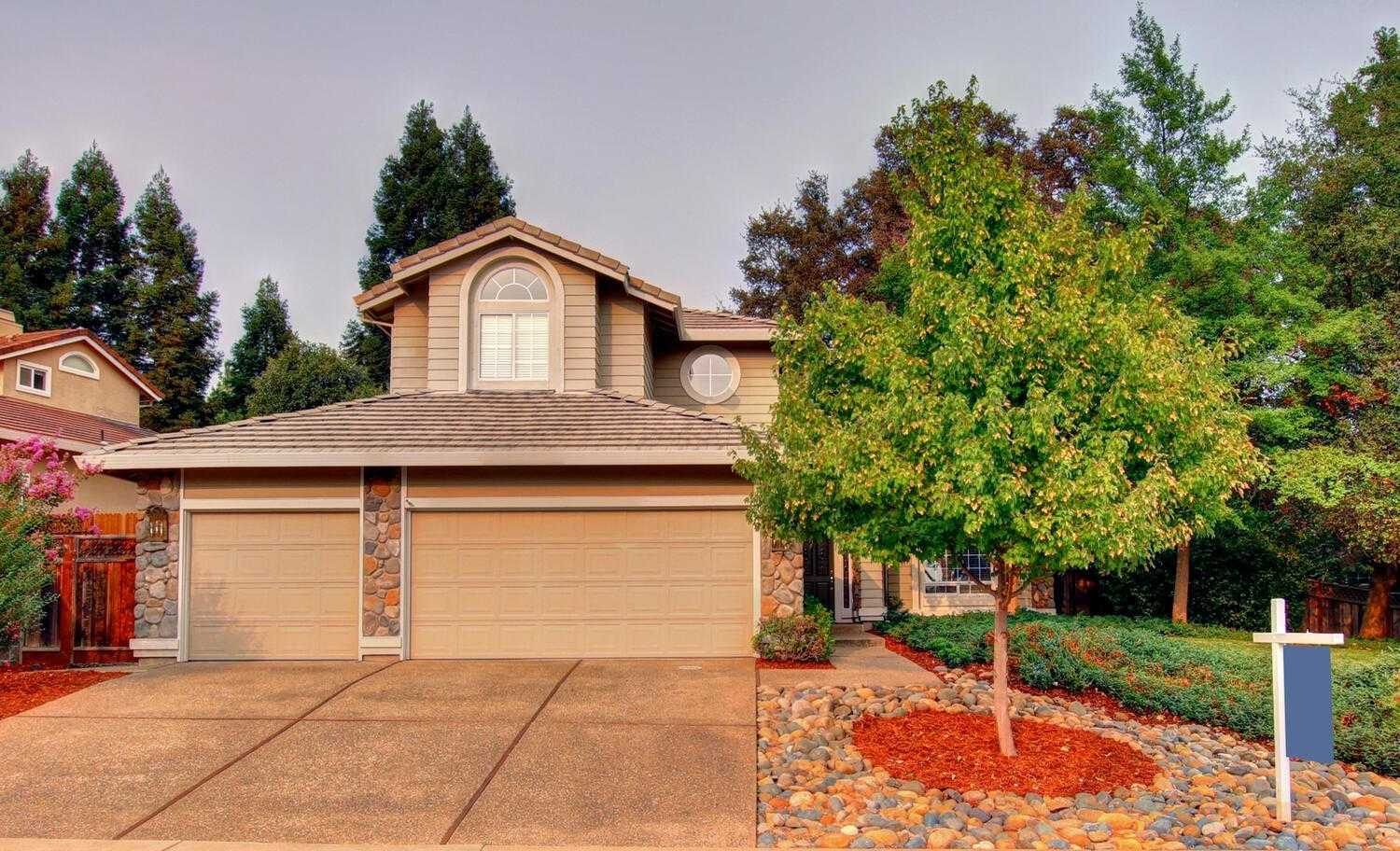 $675,000 - 4Br/3Ba -  for Sale in Folsom