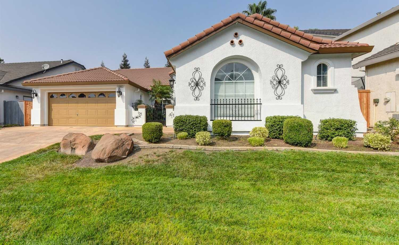 $495,000 - 3Br/2Ba -  for Sale in Sacramento