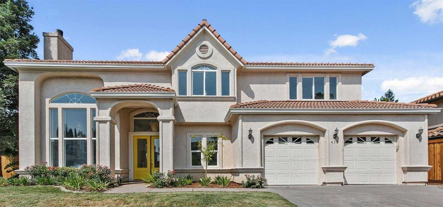 $1,370,000 - 5Br/4Ba -  for Sale in Davis