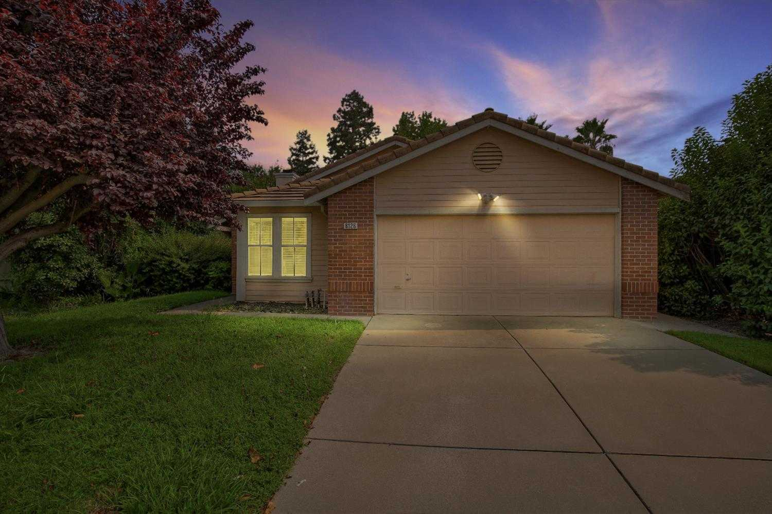 $375,000 - 3Br/2Ba -  for Sale in Citrus Heights
