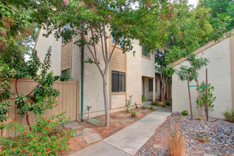$520,000 - 4Br/2Ba -  for Sale in Arrowhead 02, Davis