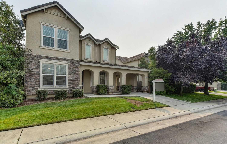 $539,900 - 4Br/3Ba -  for Sale in Elk Grove