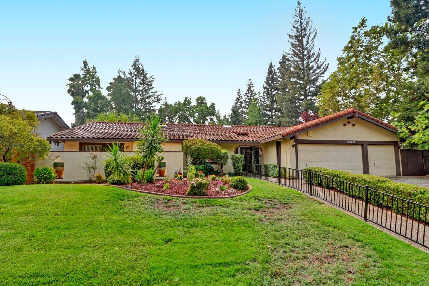 $650,000 - 3Br/3Ba -  for Sale in Folsom