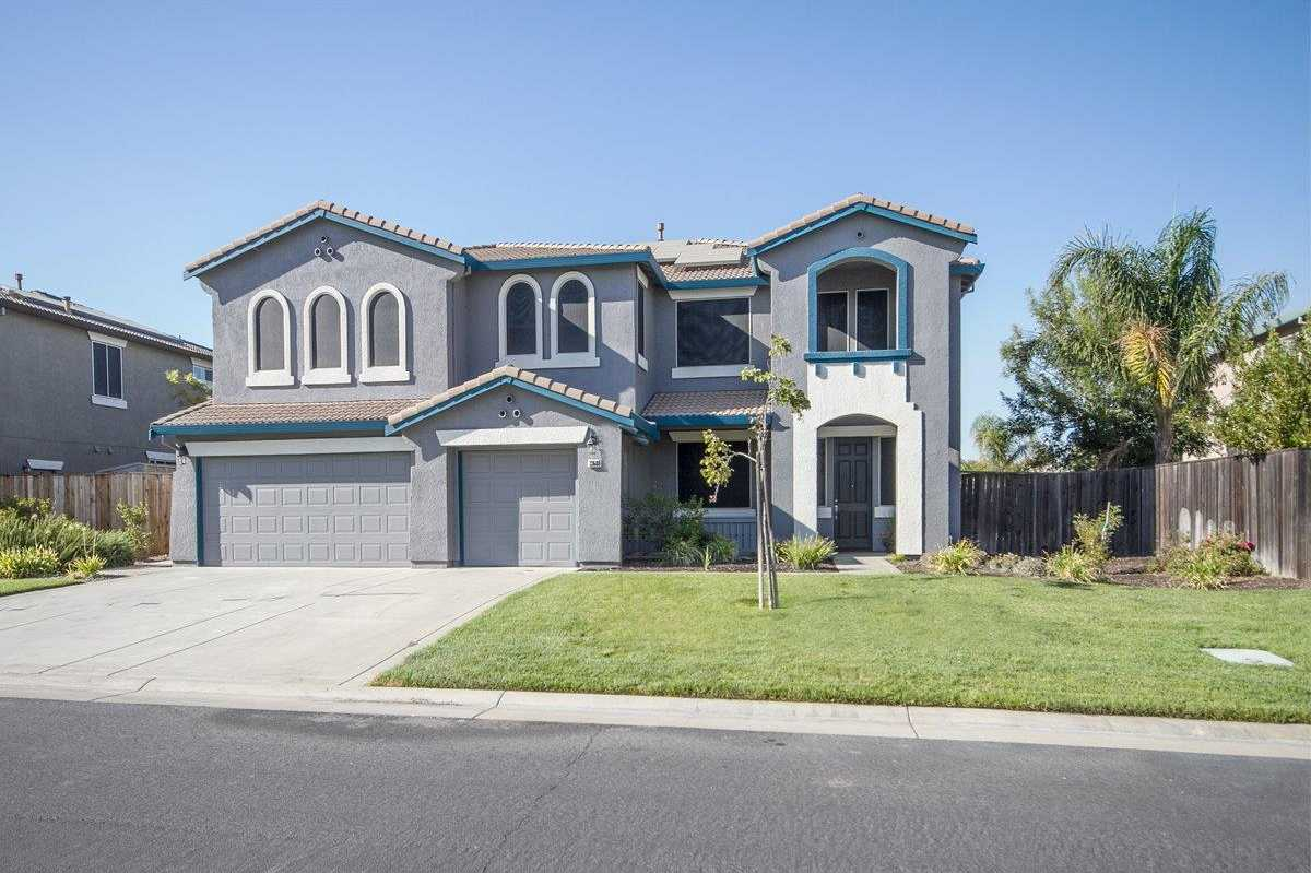 $639,999 - 4Br/3Ba -  for Sale in Woodland