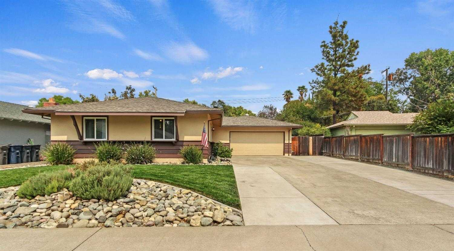$365,000 - 3Br/2Ba -  for Sale in Brook Tree North 01, Citrus Heights
