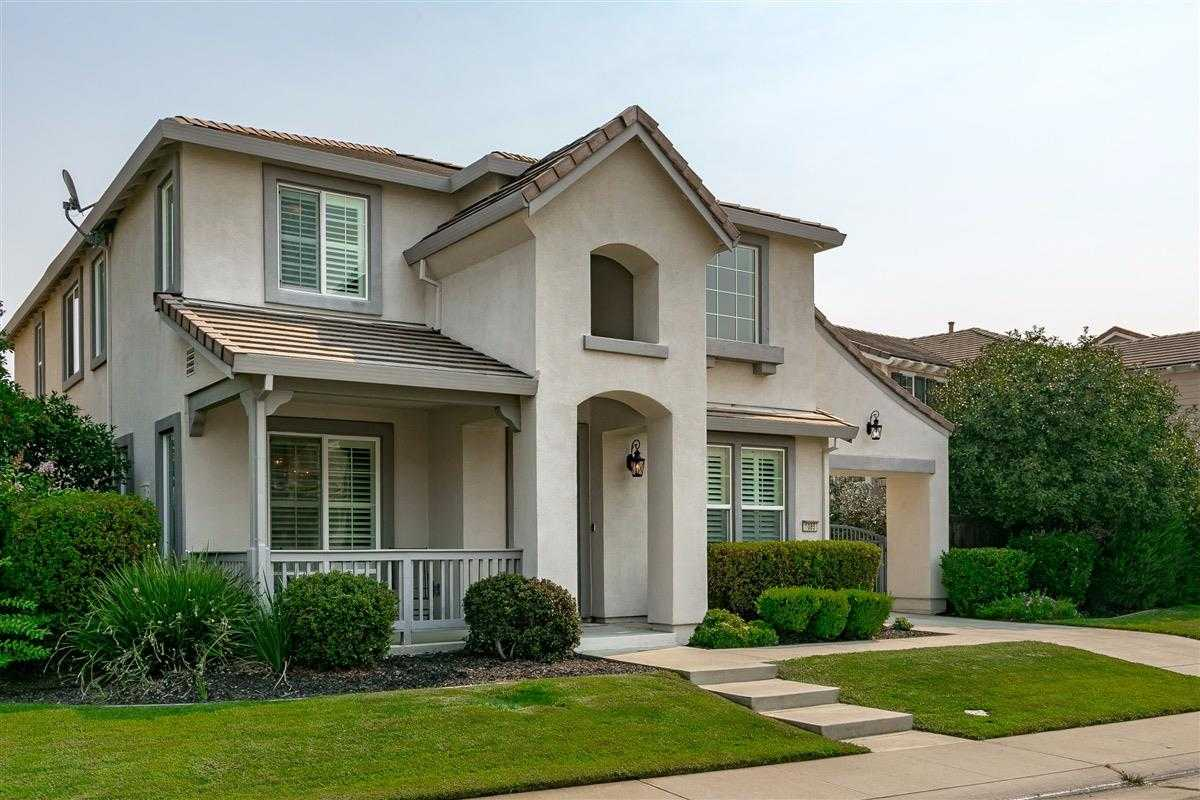 $535,000 - 4Br/3Ba -  for Sale in Lincoln
