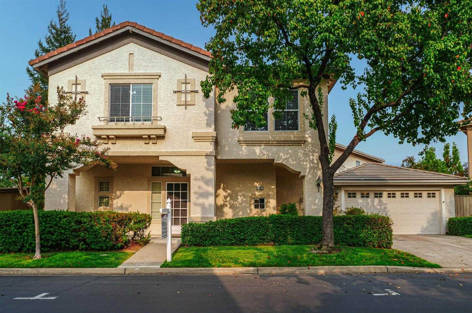$480,000 - 3Br/3Ba -  for Sale in Folsom