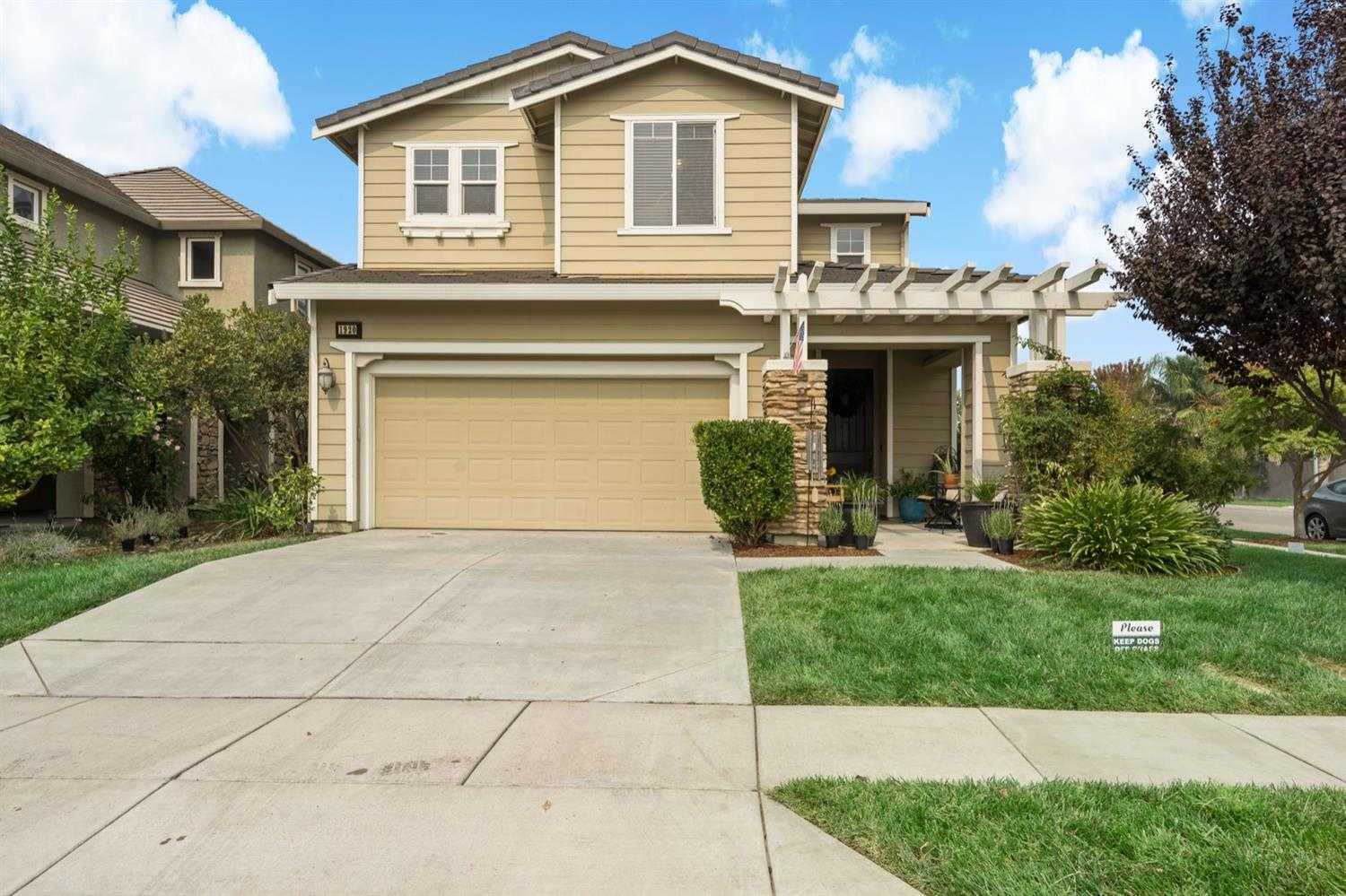 $549,900 - 5Br/3Ba -  for Sale in West Sacramento