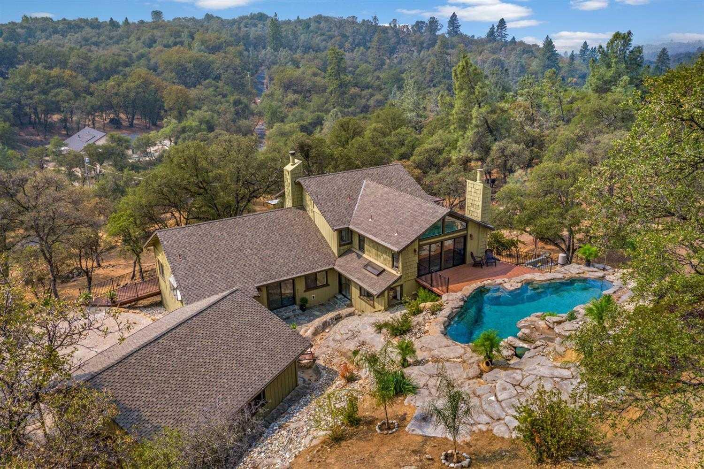 $699,000 - 4Br/3Ba -  for Sale in Auburn