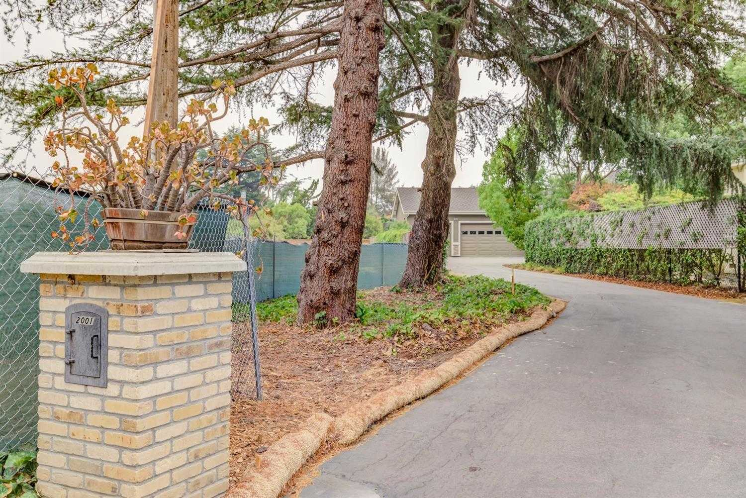 $3,500,000 - 4Br/3Ba -  for Sale in Mountain View