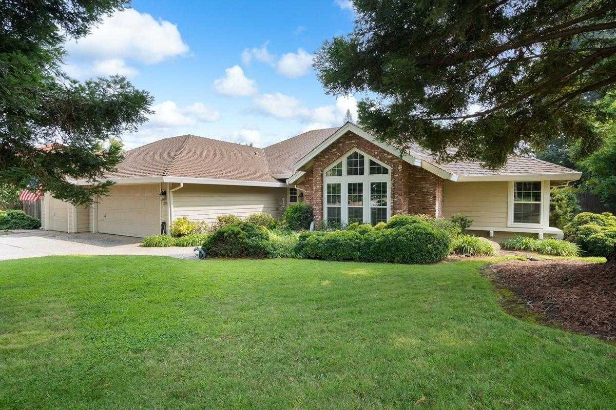 $800,000 - 4Br/3Ba -  for Sale in Folsom