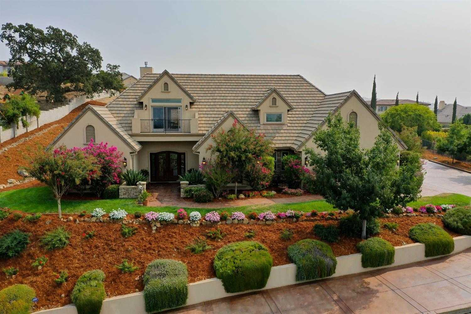 $1,585,000 - 4Br/5Ba -  for Sale in Folsom