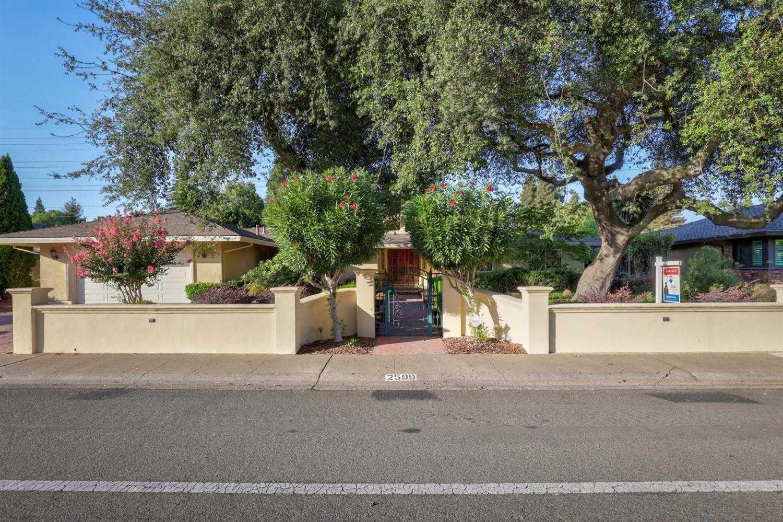 $950,000 - 4Br/3Ba -  for Sale in Sacramento