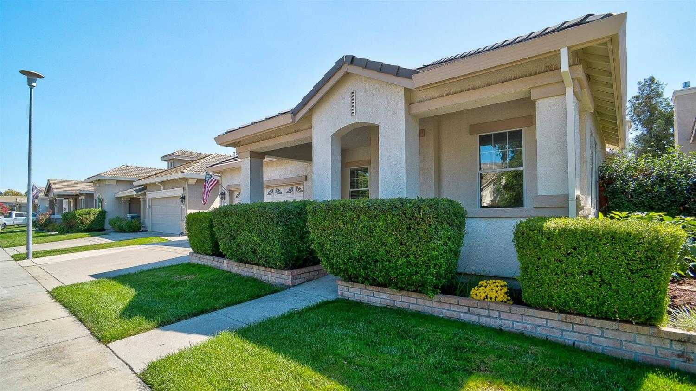 $459,000 - 4Br/3Ba -  for Sale in Gateway West Village, Sacramento