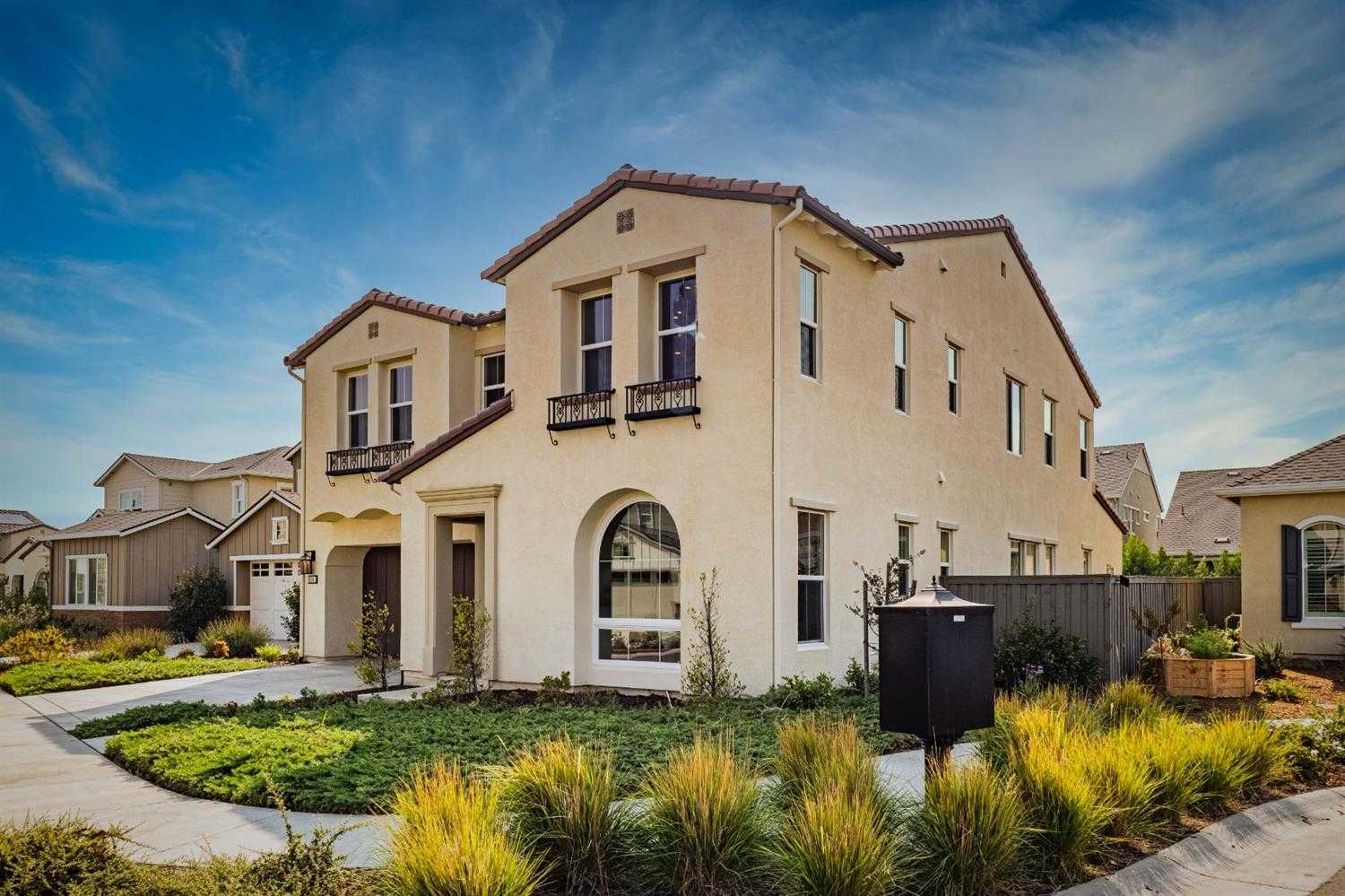 $1,475,000 - 5Br/5Ba -  for Sale in Sage In The Cannery, Davis
