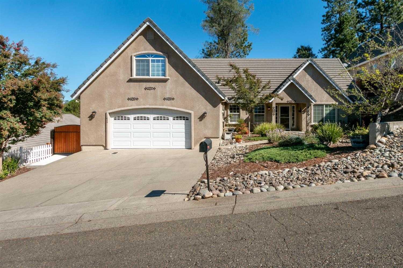 1055 Diamante Robles Court Diamond Springs, CA 95619