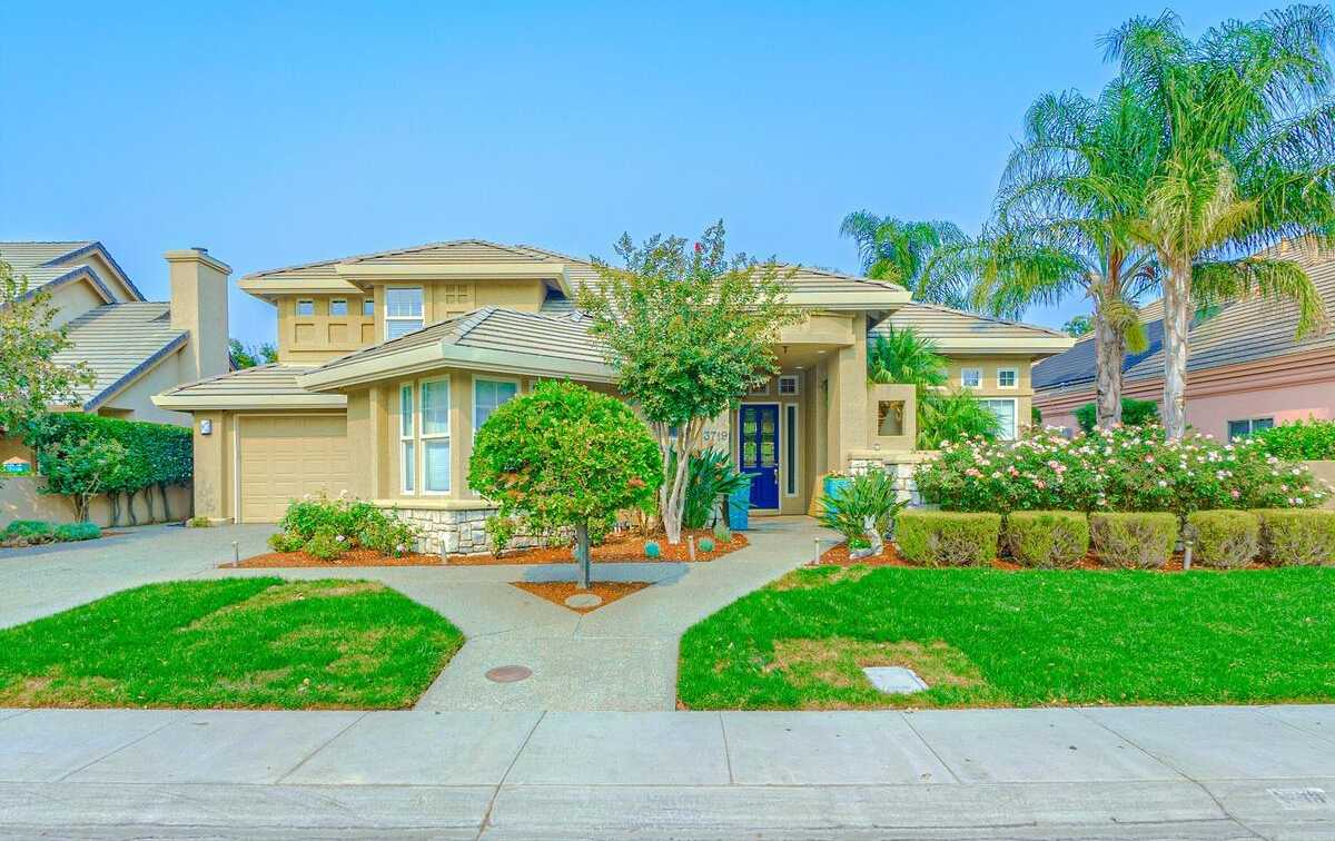 $1,300,000 - 4Br/3Ba -  for Sale in Lake Alhambra Estates, Davis