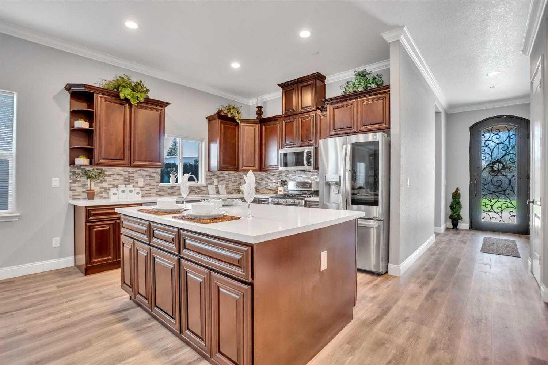 $549,000 - 4Br/3Ba -  for Sale in Street 66, Sacramento