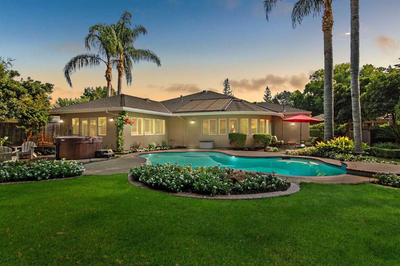 $989,000 - 4Br/3Ba -  for Sale in S Land Park Terrace, Sacramento