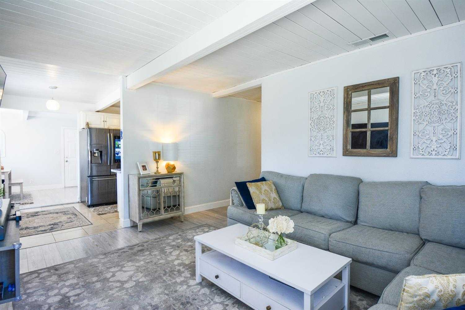 $369,900 - 3Br/1Ba -  for Sale in West Sacramento
