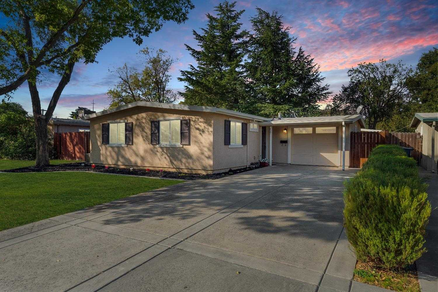 $579,900 - 4Br/2Ba -  for Sale in Davis
