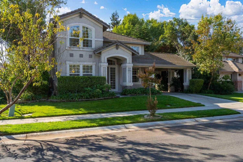 $829,000 - 4Br/3Ba -  for Sale in Davis
