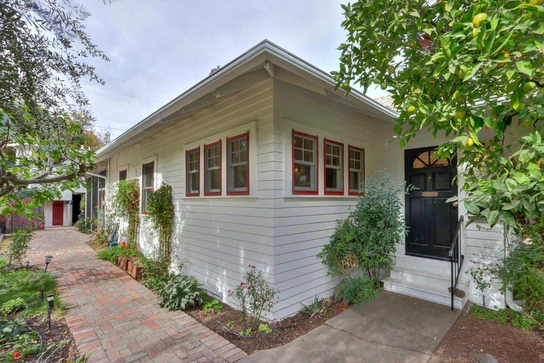 $899,000 - 4Br/3Ba -  for Sale in Davis