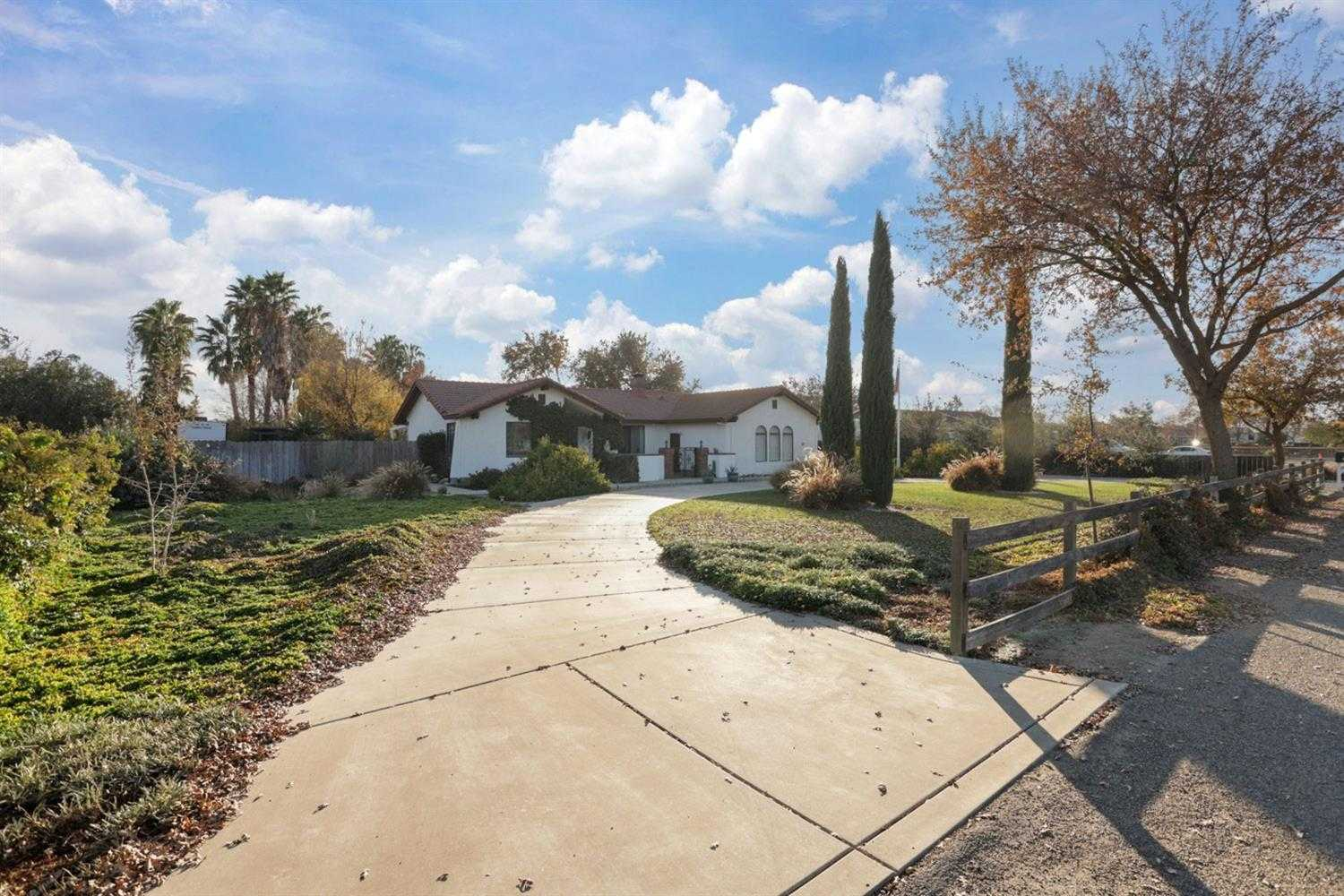 $950,000 - 4Br/2Ba -  for Sale in Tracy