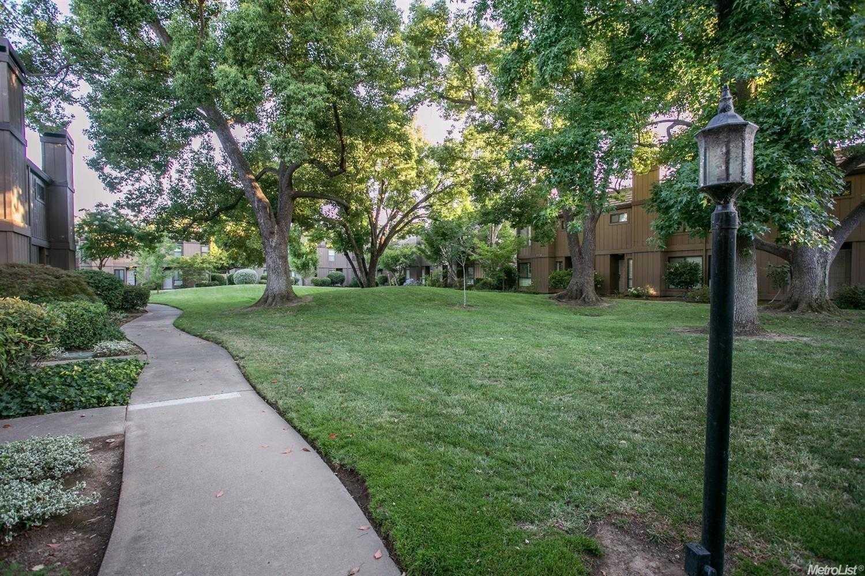 $325,000 - 3Br/3Ba -  for Sale in Sacramento