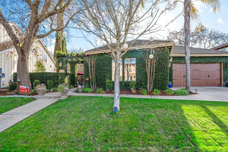 $1,330,000 - 5Br/4Ba -  for Sale in Davis