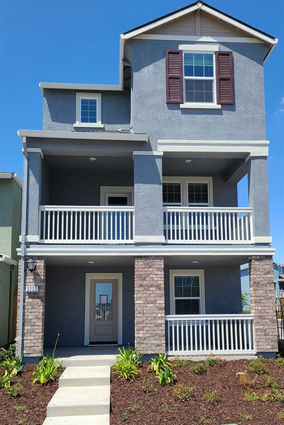 $519,900 - 4Br/4Ba -  for Sale in West Sacramento
