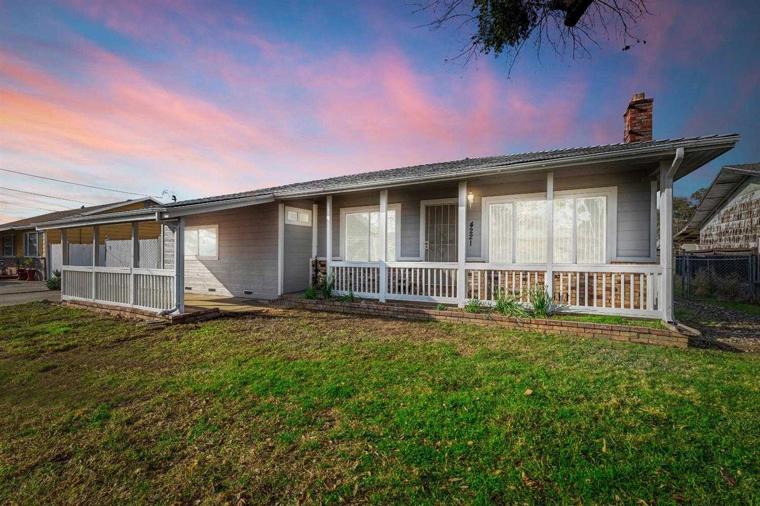 $349,900 - 4Br/2Ba -  for Sale in Sacramento