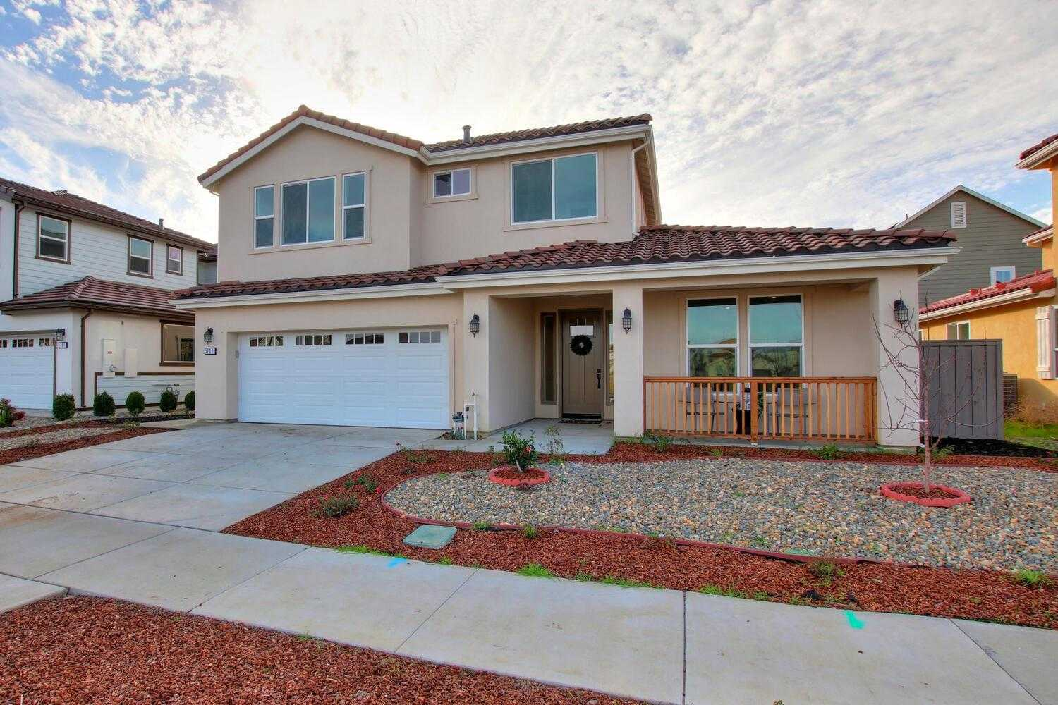$1,359,000 - 6Br/6Ba -  for Sale in Cannery Village, Davis
