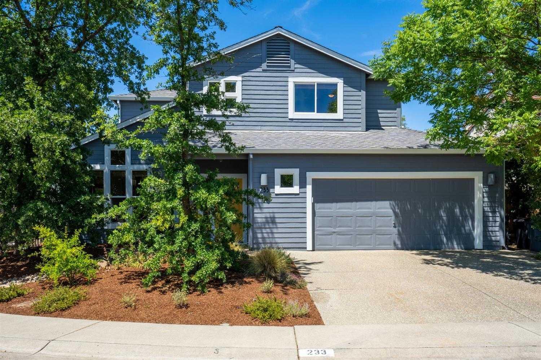 $965,000 - 4Br/3Ba -  for Sale in Davis