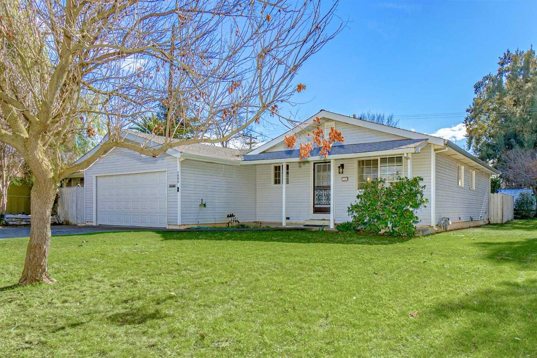 $540,000 - 3Br/2Ba -  for Sale in Davis