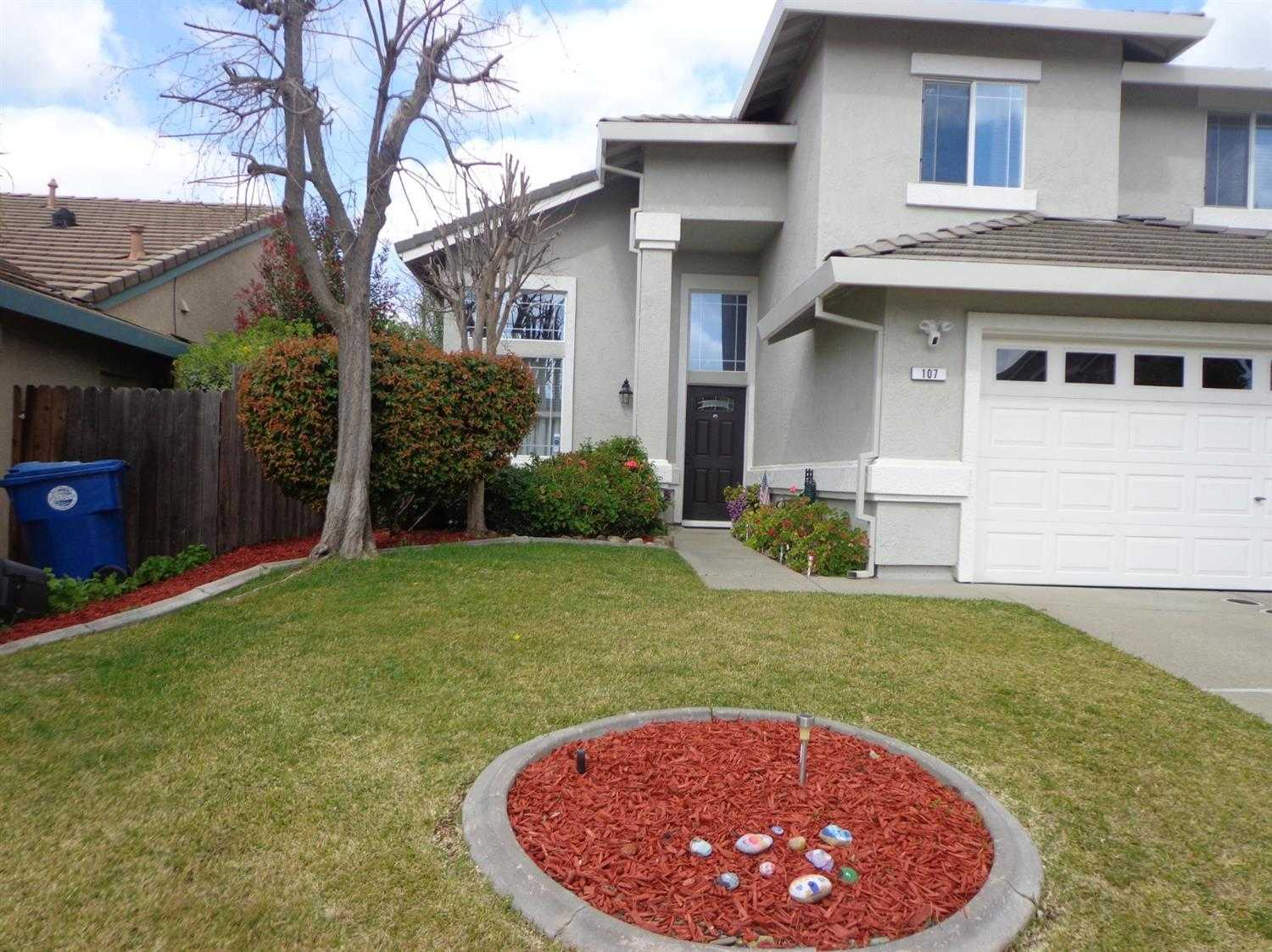 $575,000 - 3Br/3Ba -  for Sale in Reflections, Folsom
