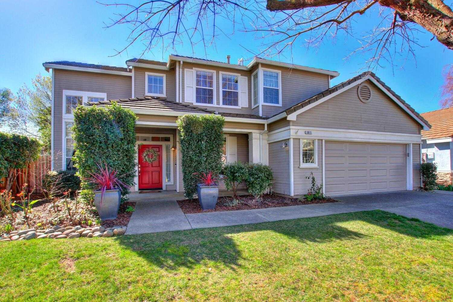$899,000 - 4Br/3Ba -  for Sale in Mace Ranch, Davis