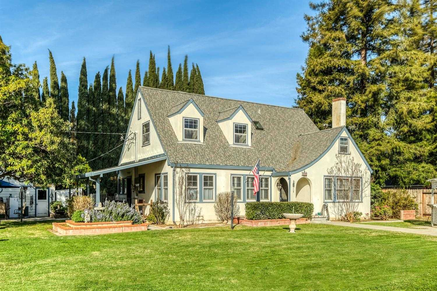 $865,000 - 4Br/3Ba -  for Sale in Winters