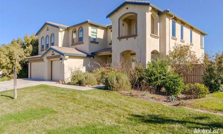 $669,900 - 4Br/3Ba -  for Sale in Woodland