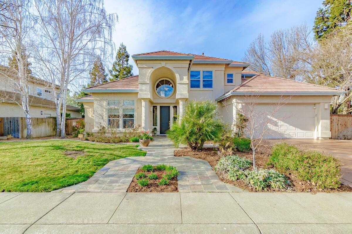 $1,395,000 - 6Br/3Ba -  for Sale in Lake Alhambra Estates, Davis