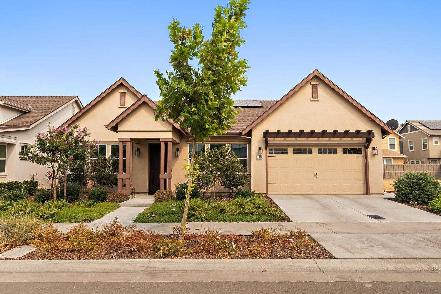 $899,995 - 3Br/2Ba -  for Sale in Davis