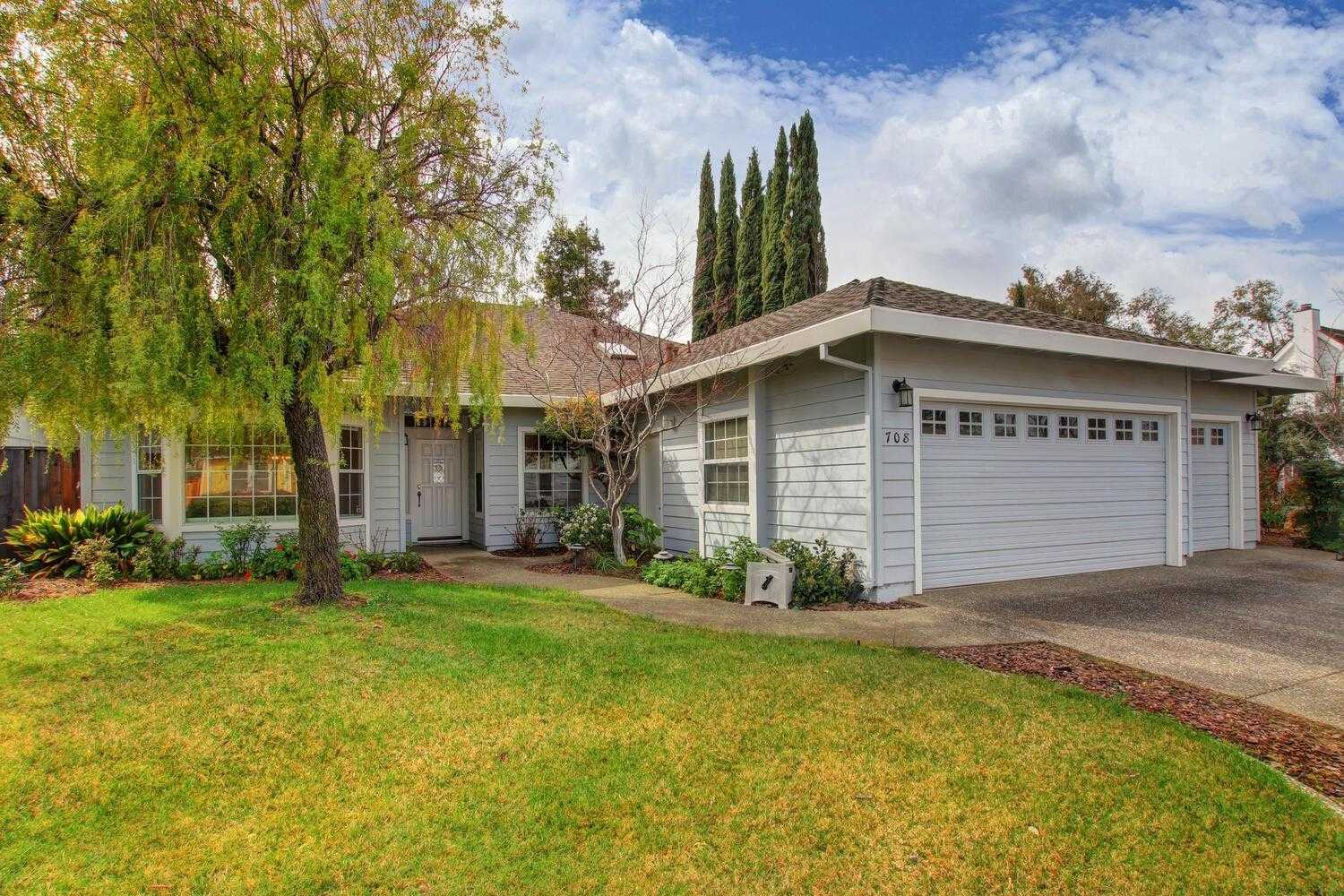 $935,000 - 4Br/3Ba -  for Sale in Davis